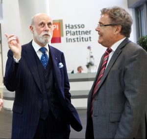 "Hans-Joachim Allgaier & Vinton Cerf, ""Vater des Internet"""